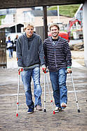 Klaas Voget and Robby Swift compare injuries