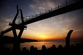 Sunrise under Myeong Sun Bridge