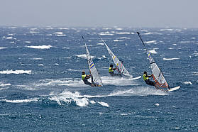 High wind slalom action in Pozo