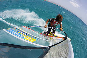 Ben Van Der Steen throws a gybe