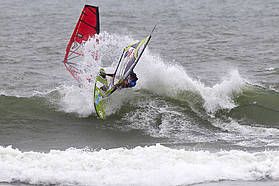 Starboard tack session for Fernandez