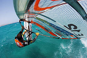 Ludovic Jossin Takes off