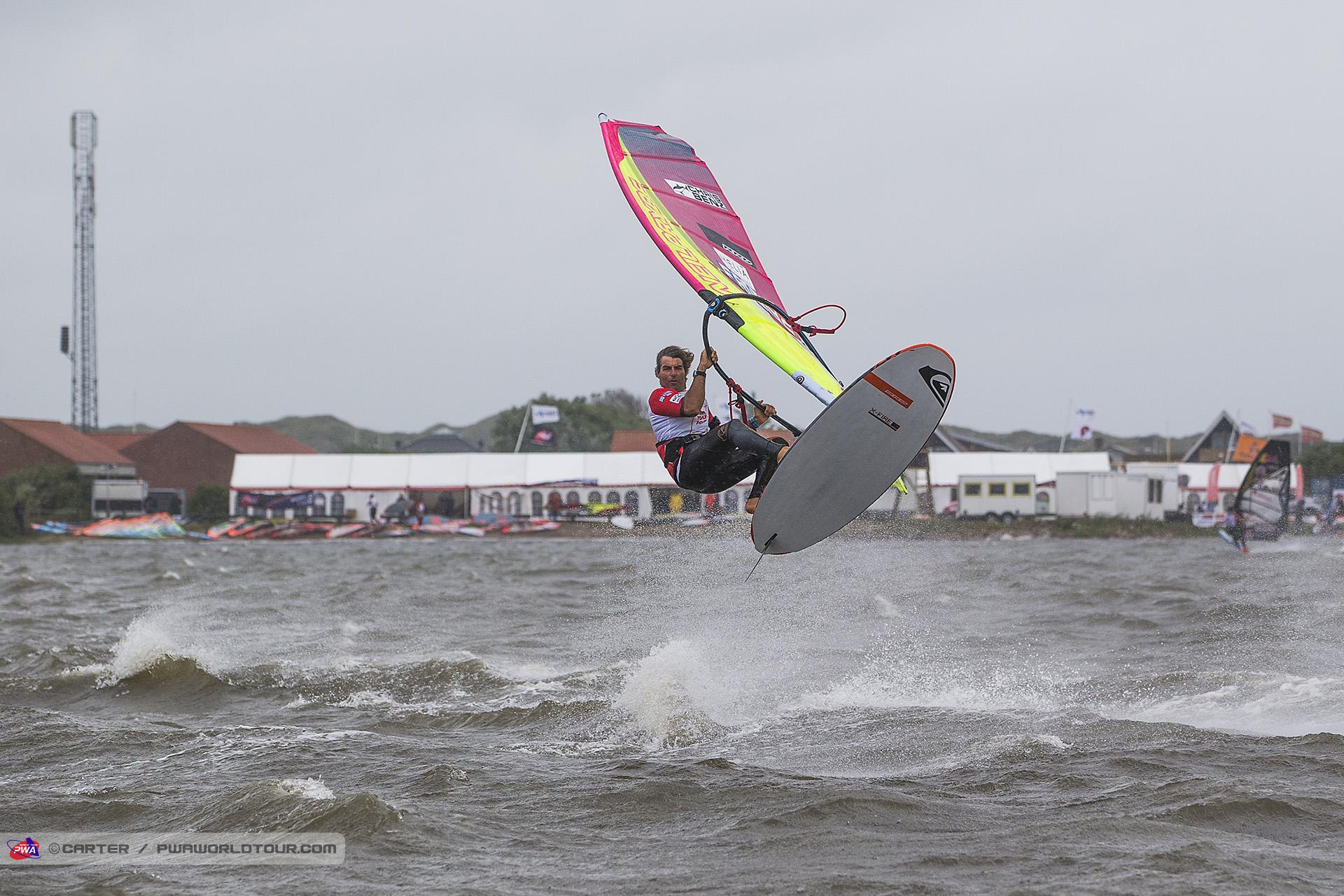 DK17_sl_Albeau_Jumps.jpg
