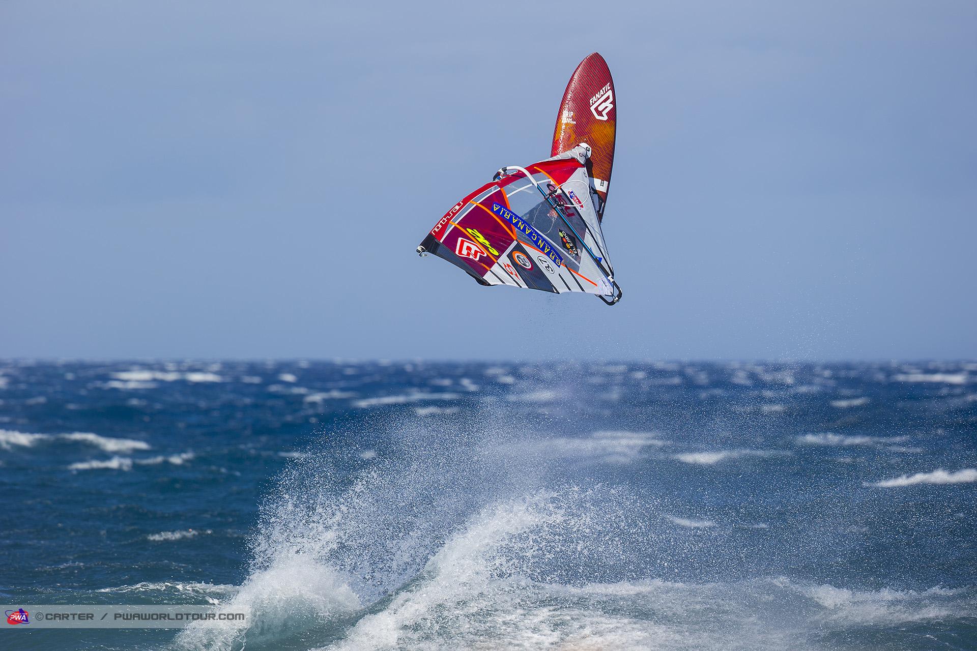 GC17_wv_Fernandez_takes_off.jpg