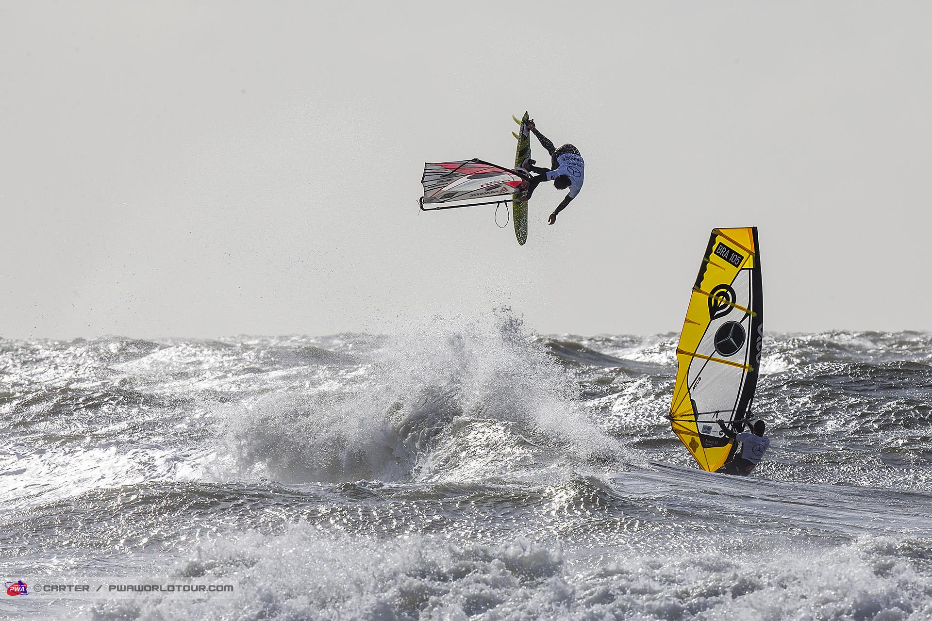 SY17_wv_Eagle_wing_from_Fernandez.jpg
