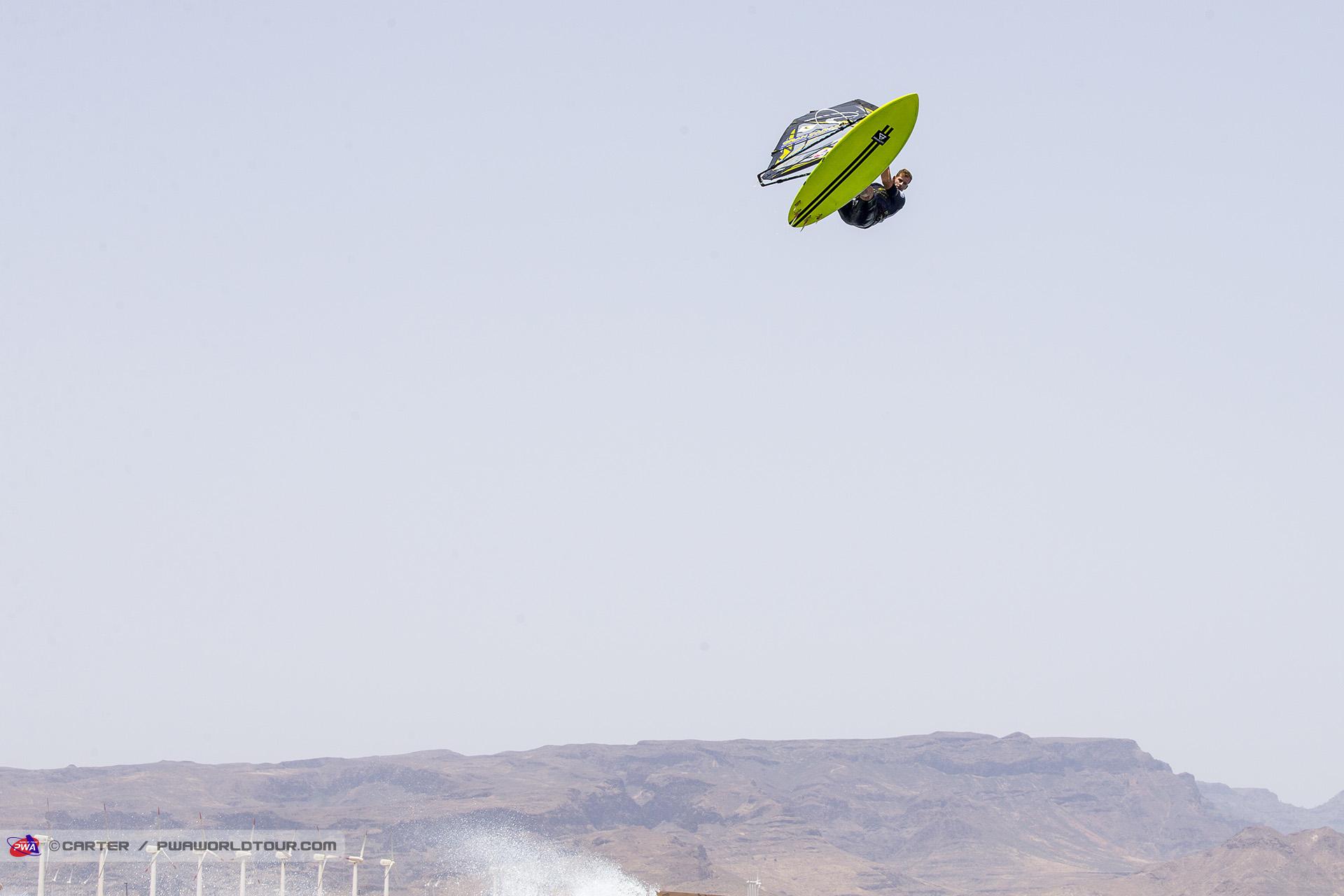 GC18_wv_Ricardo_flying_high.jpg