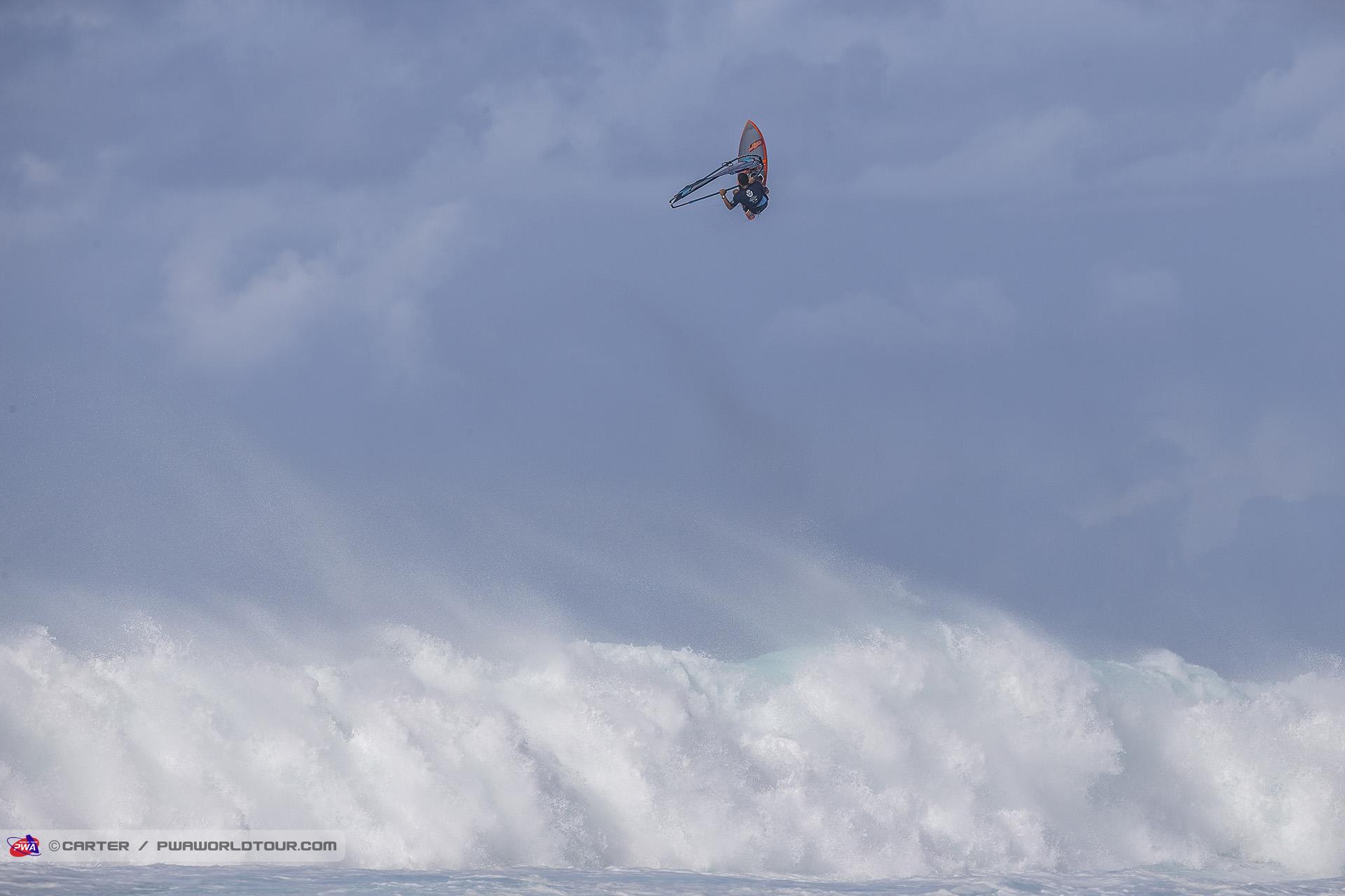 AC19_wv_Antoine_Martin_sky_high.jpg